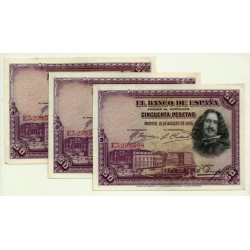 [1928] Billete de 50 Pesetas (EBC) Serie E. Trío correlativo. Manchitas