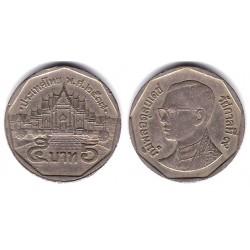 (Y219) Tailandia. 1994(2537). 5 Baht (BC+)
