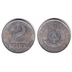 (35.2) Alemania Democrática. 1977(A). 2 Mark (BC)