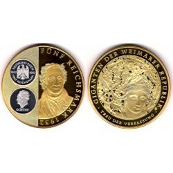 Medalla Conmemorativa 5 Reichmark Goethe 1932 (Cobre, bañado en Oro y Plata) 70mm